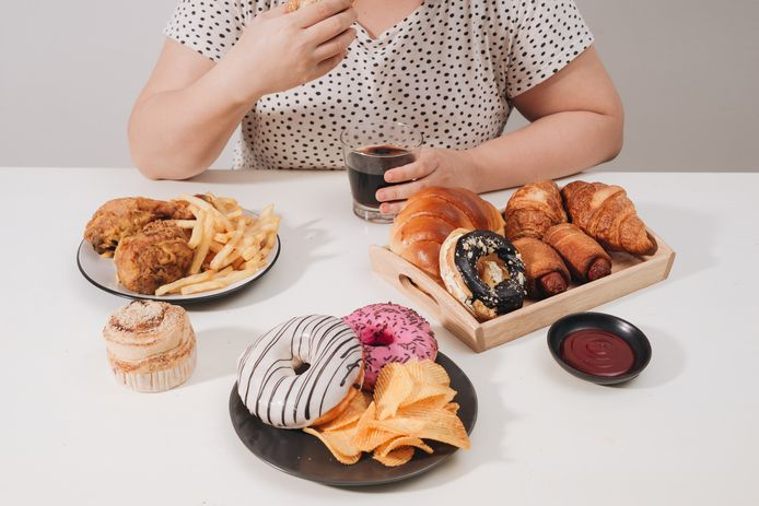 Mensen die last hebben van onbeheerst eetgedrag kunnen terecht bij lotgenoten.