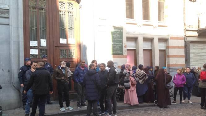 200-tal ouders protesteert aan Schaarbeekse school na mogelijke aanranding peuter
