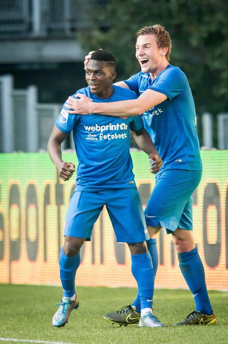 Thomas Agyepong juicht na de 0-1 tegen FC Utrecht Beeld anp