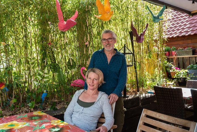 Marcel Heukels en Amanda Jones van Mazoki. Na de opening in februari moest het restaurant sluiten vanwege de coronaregels. De versoepeling van de regels per 1 juni komt net op tijd.