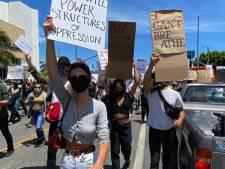 Ariana Grande, Emily Ratajkowski: les stars manifestent contre les violences policières