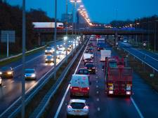 Flinke file na ongeluk op A28 bij Zwolle opgelost