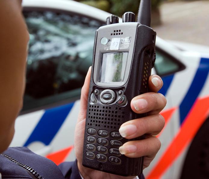 Voor de communicatie tussen politiepersoneel zijn de C2000-masten die overal in het land staan essentieel.