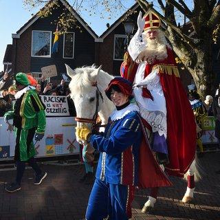 Ondanks verdeeldheid rustige intocht Sint in Zaanstad