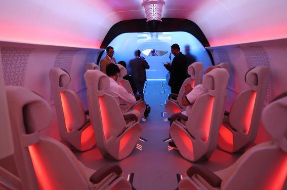 Ook Virgin is met hyperloops bezig. Op een technologiebeurs in Dubai werd een prototype voorgesteld.