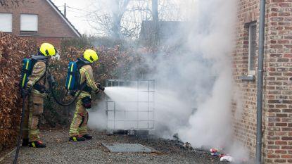 Warmtepomp naast woning vat plots vuur