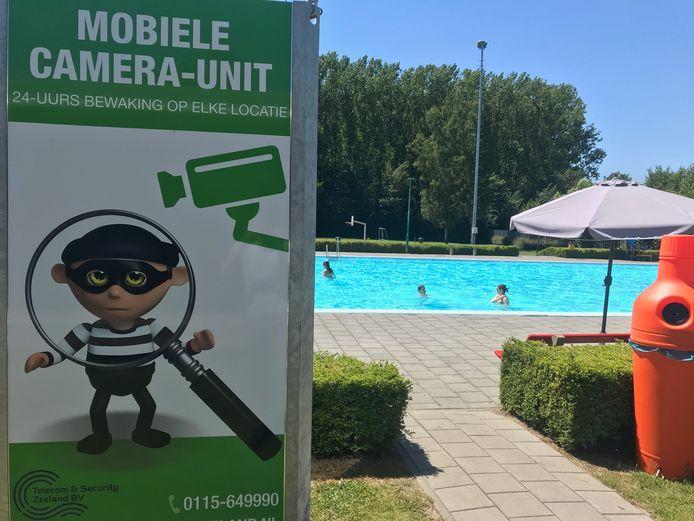 Zwembad Koewacht afgelopen zaterdag, toen alleen abonnementhouders naar binnen mochten.