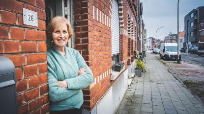 """Halve straat krijgt grote sommen voor stukje grond voor de deur: """"Ruim 25.000 euro voor nutteloze lap gras"""""""