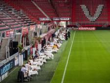 Fans dineren langs de lijn in Grolsch Veste: 'Dit wil je meemaken'