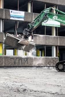 Sloop lelijkste pand van Nijmegen echt van start: het 'roze monster' hapt niet meer terug