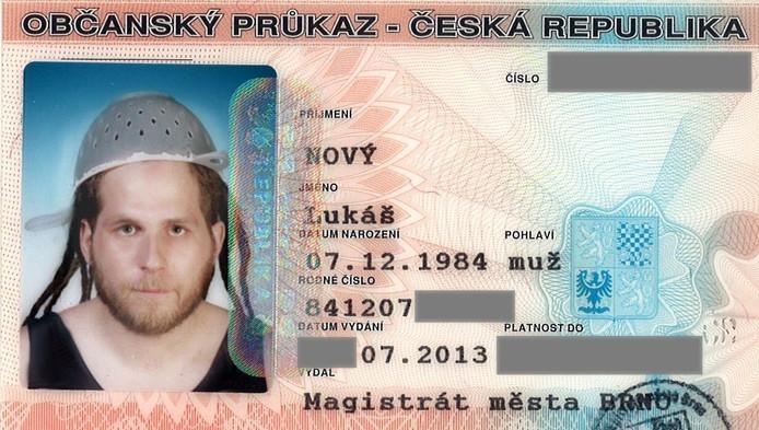 De Tsjech Lukas Novy kreeg het in zijn thuisland voor elkaar om met zijn vergiet in het paspoort te komen