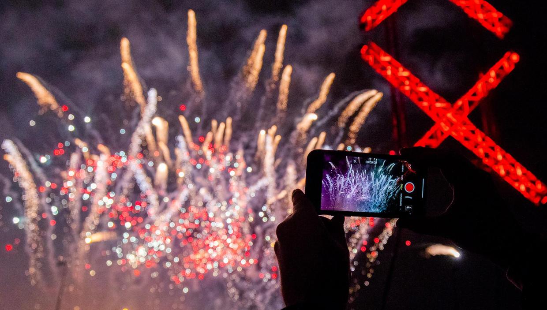 Met een vuurwerkshow op de kop van het Java-eiland is 2019 ingeluid