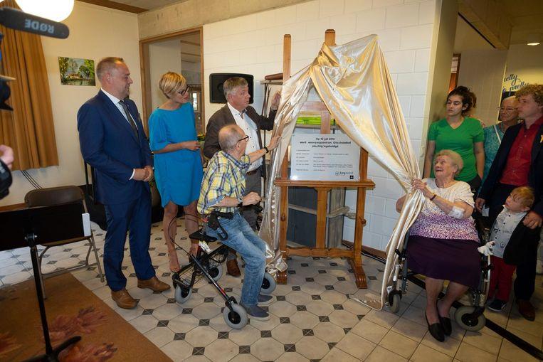 De officiële opening van WZC Gitschotelhof is een feestelijke aangelegendheid.