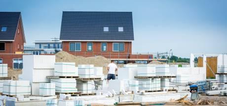 CDA en D66: 'Verlicht woningdruk Amsterdam met huizen in Almere'