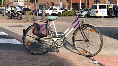 Al vierde zwaar accident in Antwerpen deze week: 84-jarige fietsster kritiek na botsing tegen wagen