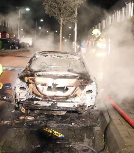 Auto gaat in vlammen op in Culemborg