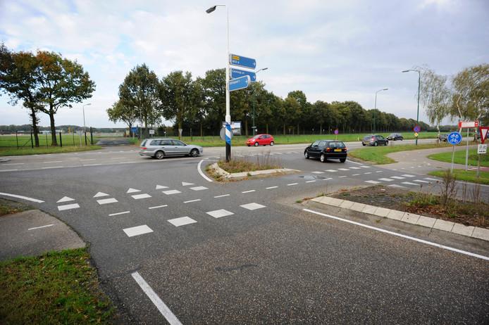 De kruising waar een rotonde zou moeten komen volgens de bewoners van Odiliapeel.