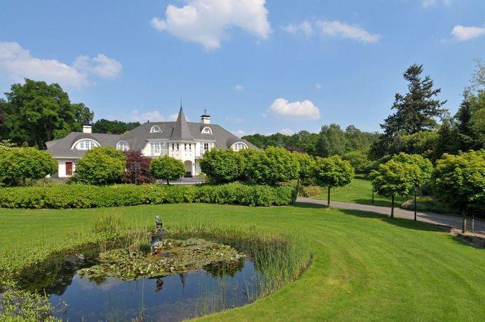 Deze 'Disneyvilla' aan de Dreyenseweg in Oosterbeek stond te koop voor 2.675.000 euro.
