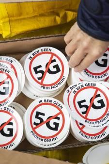 Protest tegen 5G in Rotterdam: 'Ik wil geen proefkonijn zijn'