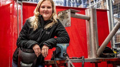 Van bejaardenhelpster tot lasser: Sharon (21) is eerste vrouw op de werven van installatiebedrijf Goddeeris