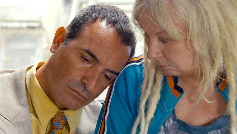 Jean Dujardin en Yolande Moreau in I Feel Good Beeld
