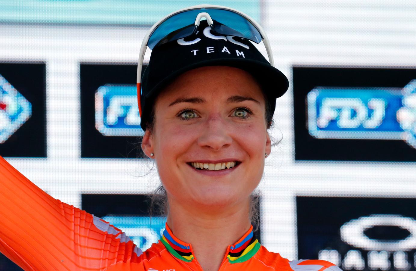 Marianne Vos zou meedoen aan de teamestafette, maar neemt door een lichte blessure geen risico's voor de wegwedstrijd van zaterdag.