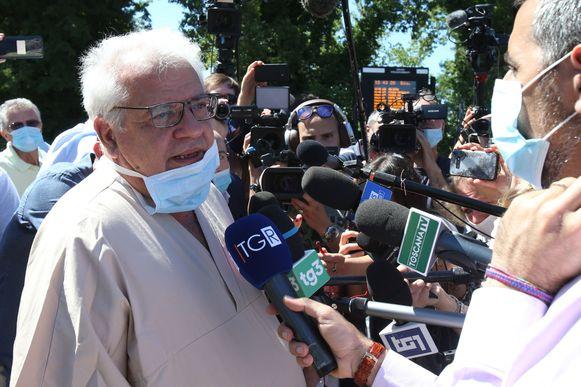 Giuseppe Olivieri met een medische update rond Zanardi aan de Italiaanse media.