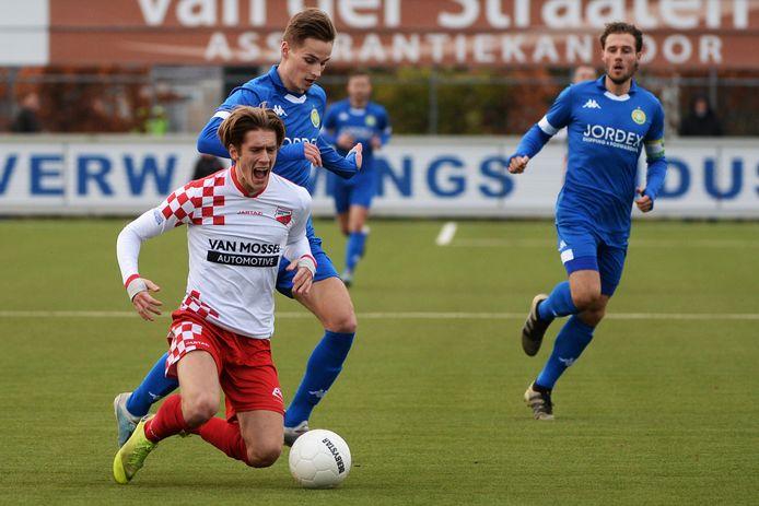 Kozakken Boys en ASWH (blauw shirt) treffen elkaar ook komend seizoen in de tweede divisie. FOTO BSR AGENCY/SOCCRATES