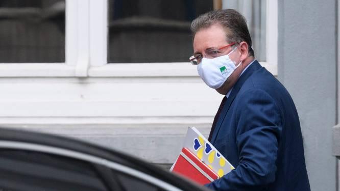 Brussels minister-president Vervoort in quarantaine nadat hij in contact kwam met besmette burgemeester