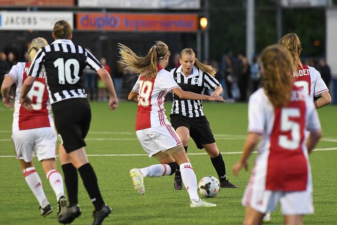 De vrouwen van Ajax bleken te sterk voor Achilles'29.