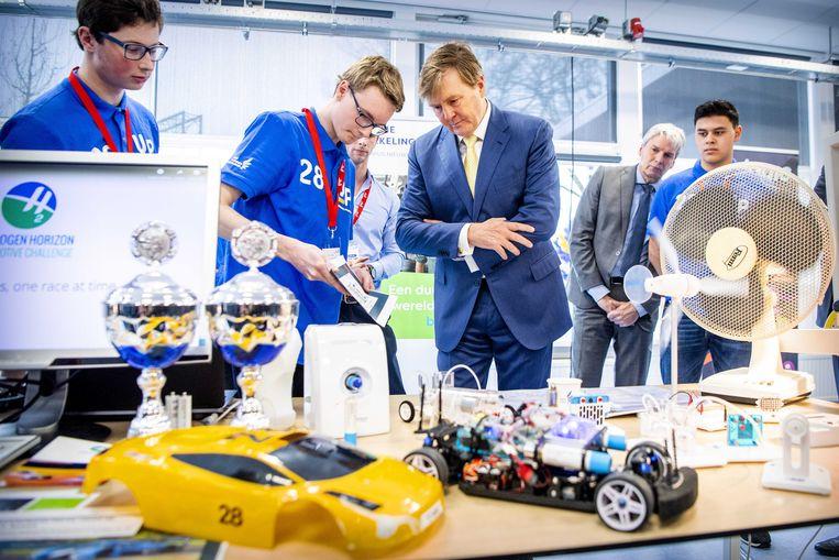 Koning Willem-Alexander tijdens de opening van de Tech Campus van ROC Midden Nederland.  Beeld ANP