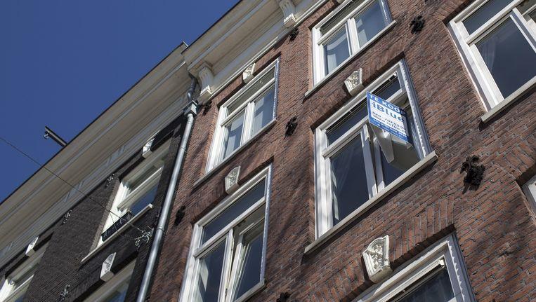 Amsterdam heeft te weinig huizen voor verpleegkundigen, docenten of agenten. Beeld Floris Lok