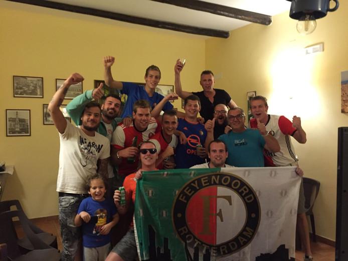 Feyenoordsupporters in Napels.