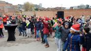 Leerlingen de Ham vieren nieuwbouw met flashmob