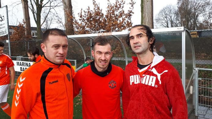 Drie Roemeense arbeidsmigranten spelen in het tweede elftal van SC Welberg. V.l.n.r. Levi Papp, Cristian Glica en Csaba Balint.