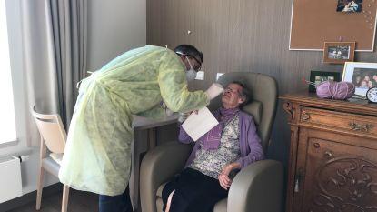 """""""Eigenlijk zou dit overal in het land moeten gebeuren"""": Geneeskunde voor het Volk test elke inwoner van woonzorgcentrum op corona:"""