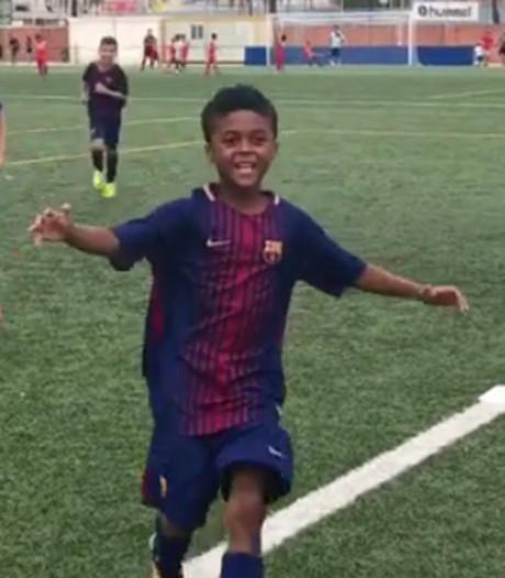 Shane Kluivert bezorgt papa 'speciaal moment' bij Barça-debuut