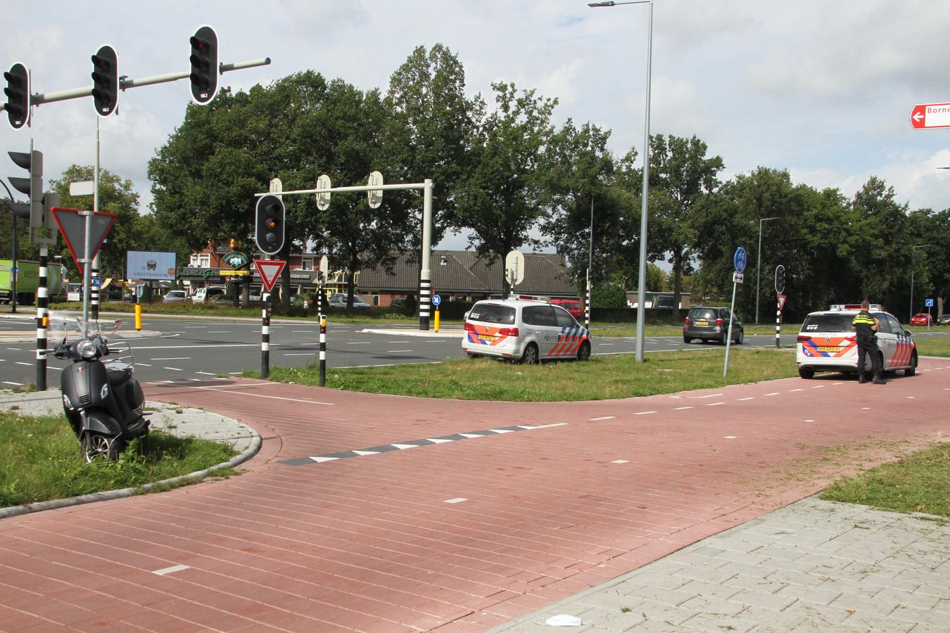 Ongeval op de kruising Grotestraat-Rondweg in Borne. Geen gewonden, wel blikschade.