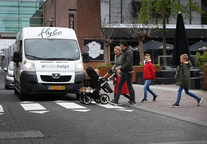 Illegaal zebrapad in de Tuinstraat.