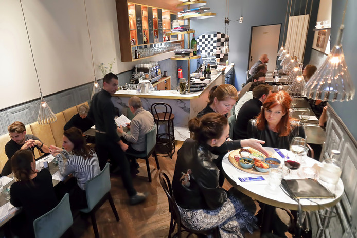 Bar Bistro Biarritz aan de Veemarktstraat in Breda