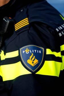Politie zoekt in Arnhem naar man die bebloed over straat loopt