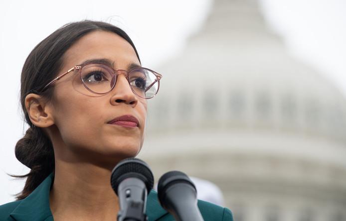 Alexandria Ocasio-Cortez, Democraat en lid van het Huis van Afgevaardigden, is de enige vrouw uit de documentaire die werd verkozen tijdens de tussentijdse verkiezingen vorig jaar.