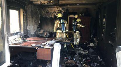 Bureau brandt uit na kortsluiting in villa
