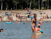 De enige gratis zwemplek rondom Tilburg, en tóch is er plek zat bij 't Zand in Alphen