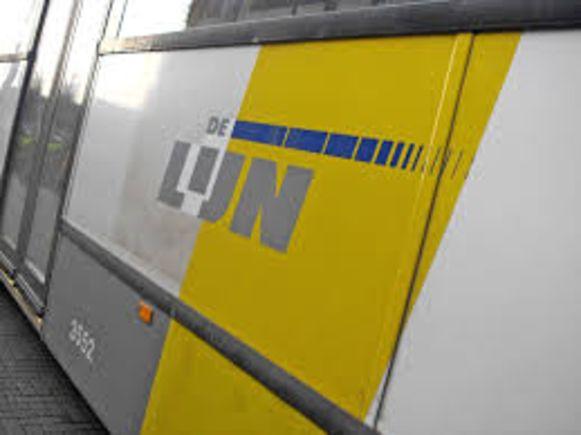 Sp.a Sint-Pieters-Leeuw is boos op De Lijn omdat verschillende lijnen zouden verdwijnen.