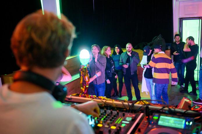 EINDHOVEN - Op Stratumseind is er deze zaterdag het Eindhoven by Day Festival. Een evenement waarmee de ondernemers meer reuring overdag willen creëren.