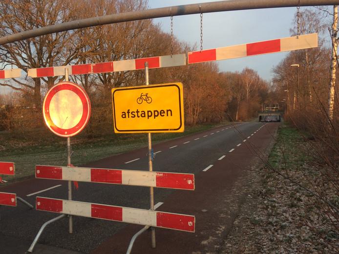 Begin dit jaar werd het tunneltje in de Nieuwstraat Volkel afgesloten vanwege ijsvorming in de tunnel. De problemen lijken voorlopig nog niet opgelost.
