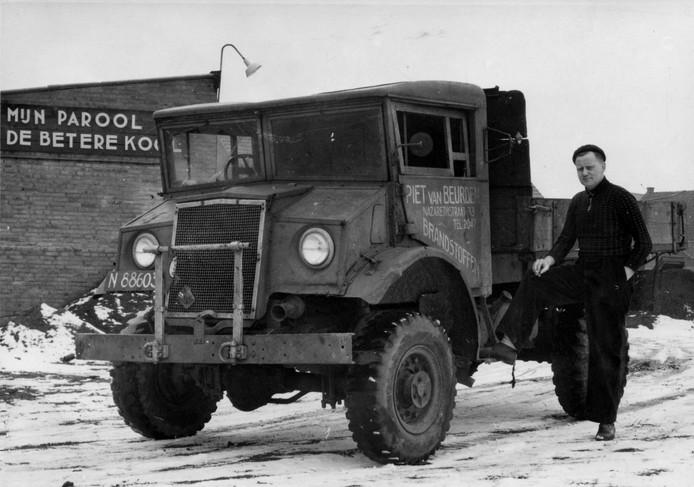 De Engelse vrachtauto waar Piet van Beurden zijn bedrijf mee begon.