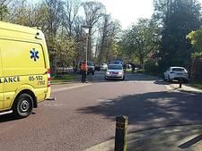 Fietser gewond na aanrijding in Delden