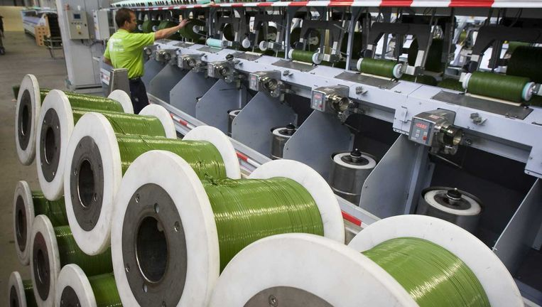 De fabriek van TenCate in Nijverdal. De directie en investeringsmaatschappij Gilde willen het bedrijf van de beurs halen. 95 procent van de aandeelhouders moet daarmee instemmen. Beeld anp